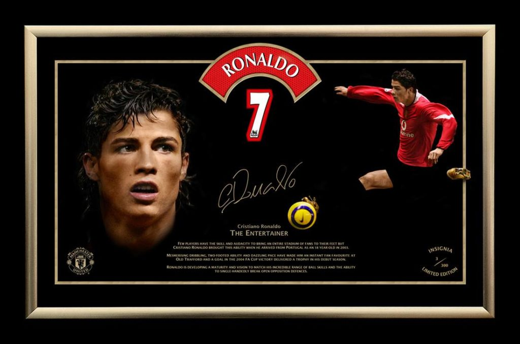 Manchester United- Ronaldo_with Jersey cut piece